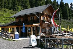 Feldring Alm - Start in the hiking-summer-time